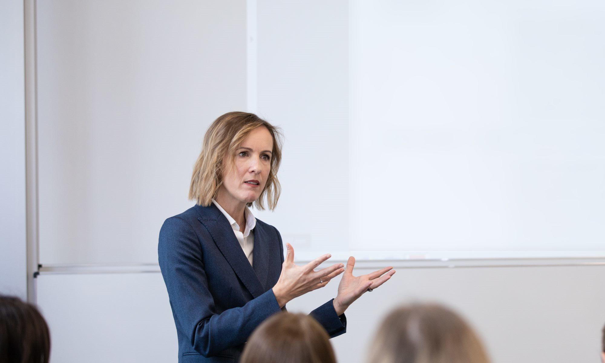 Prof. Dr. Sabina Schutter